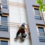 pomyvka-fasada-alpinistami